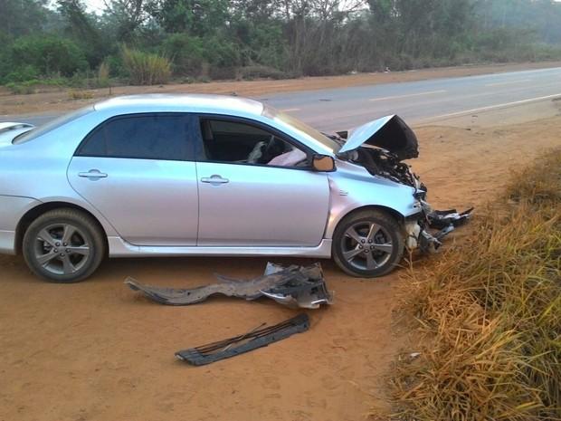Veículo estava abandonado próximo a BR-364 (Foto: Mário Rocha/Arquivo Pessoal)