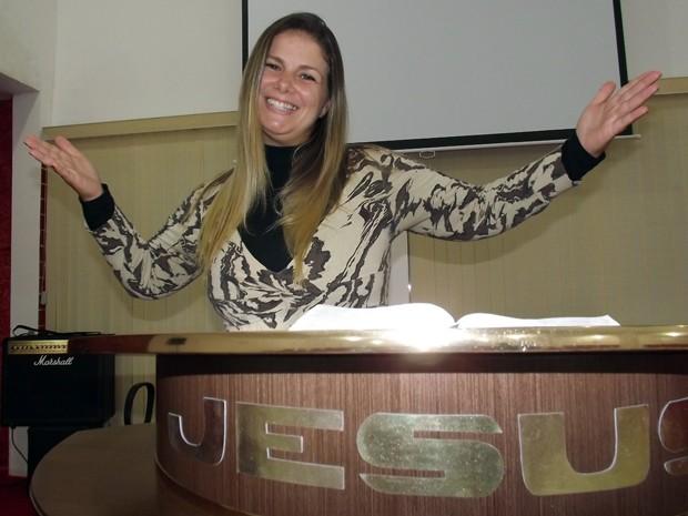 Viviane Brunieri usa experiência de vida para evangelizar (Foto: Ivair Vieira Jr/G1)