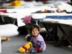 Merkel diz que Europa está longe de solução para distribuir migrantes