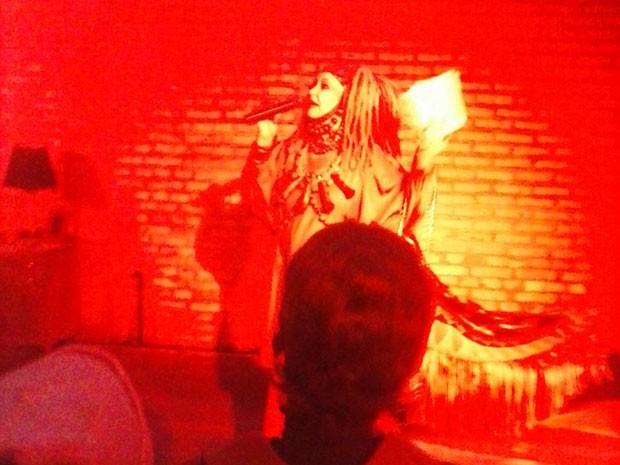 Elke Maravilha se apresenta no Sesc Pompeia durante a Virada Cultural (Foto: Maurilio Domiciano/Divulgação)
