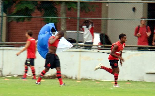 O atacante Vinícius Paquetá em 2009, durante treino do Flamengo (Foto: Eduardo Peixoto/Globoesporte.com)