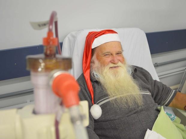 Papai Noel de Joinville faz hemodiálise três vezes por semana (Foto: Fundação Pró-Rim/Divulgação)