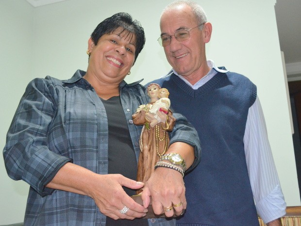 Ana Alice pediu a Santo Antônio para casar com Luiz (Foto: Thomaz Fernandes / G1)