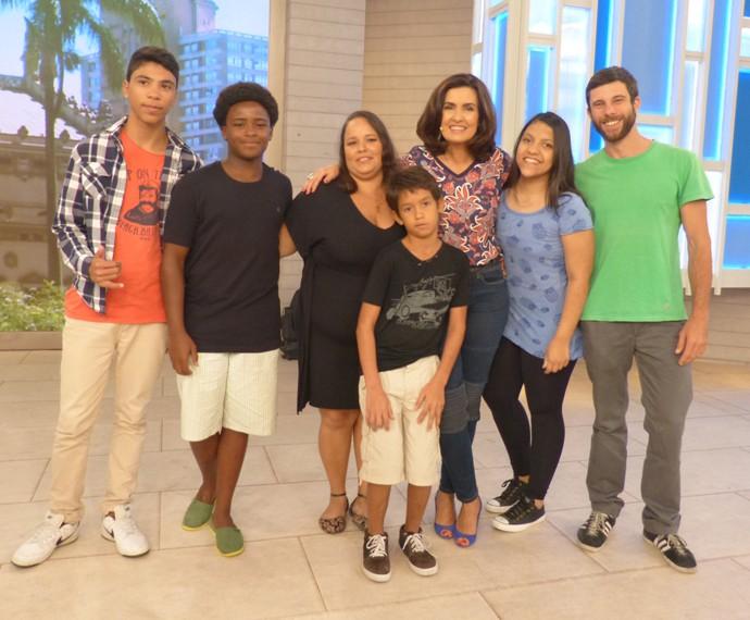 Com convidados do programa (Foto: Marcele Bessa / Gshow)