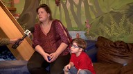 """Mãe faz """"vaquinha"""" para remédio em falta na rede pública para filho"""
