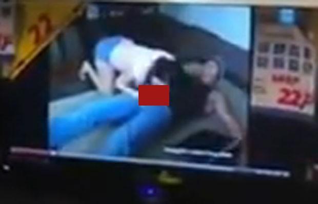 TVs mostraram mulher fazendo sexo oral em um homem (Foto: Reprodução)