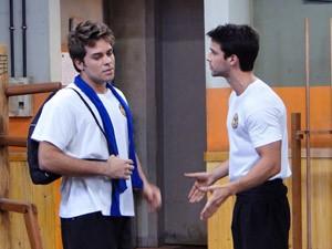 Betão fica pasmo ao saber que Gabriel será o novo protagonista da série (Foto: Malhação / Tv Globo)