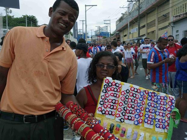 Ambulantes na Arena Fonte Nova, em Salvador (Foto: Egi Santana/G1)
