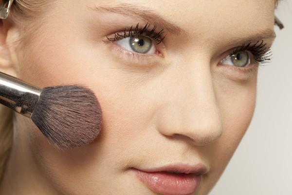 Aprenda a higienizar os pincéis de make (Foto: Thinkstock)