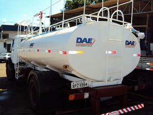 Caminhão-pipa do Departamento de Água e Esgoto (DAE) de Santa Bárbara d'Oeste (Foto: DAE/Santa Bárbara)