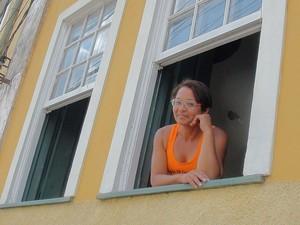 Cida aluga um quarto com capacidade para três pessoas em Cachoeira, Bahia (Foto: Lílian Marques/ G1)
