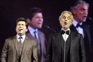 Daniel canta com Andrea Bocelli (Foto:  Marcio Bertolone/Divulgação)