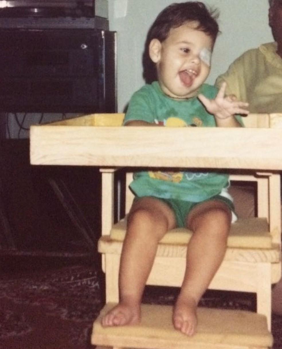 João Paulo tinha quatro meses quando foi diagnosticado com meningite  (Foto: Cláudia Simone/Arquivo Pessoal )