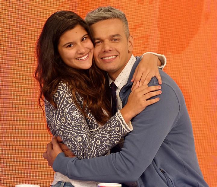 Giulia Costa invadiu o estúdio do Vídeo Show durante o programa (Foto: Cristina Cople / Gshow)