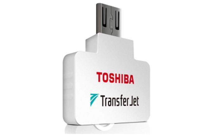 Novo adaptador TransferJet chega ao mercado no final de 2014 (foto: Reprodução/The Register)