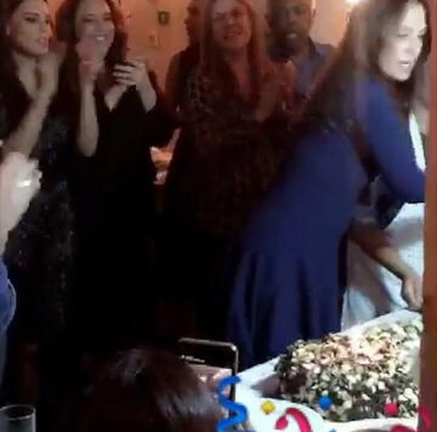 Leticia Lima e Ana Carolina na festa de aniversário de Flora Gil  (Foto: Snapchat / Reprodução)