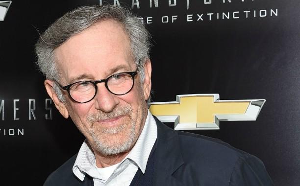 """O premiado diretor Steven Spielberg afirma ter sido um """"nerd"""" no colégio, um """"excluído"""", """"do tipo que toca clarinete na orquestra"""", coisa que o cineasta fez de fato. (Foto: Getty Images)"""