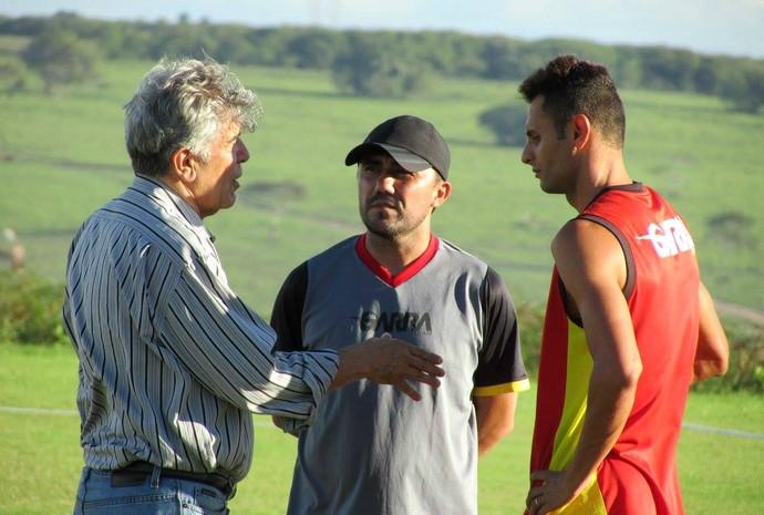 RN - Thiago Lima, meia - Luizinho Lopes, técnico - Marconi Barretto, presidente (Foto: Rhuan Carlos/Divulgação)
