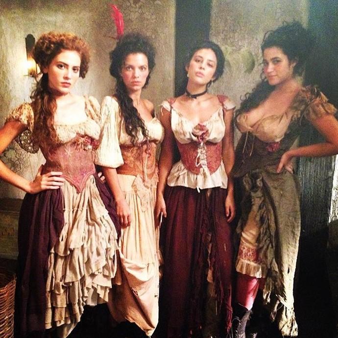 Hanna Romanazzi, Jacque Moura, Yanna Lavigne e Yasmin Gomlevsky serão prostitutas em 'Liberdade, LIberdade' (Foto: Arquivo Pessoal)