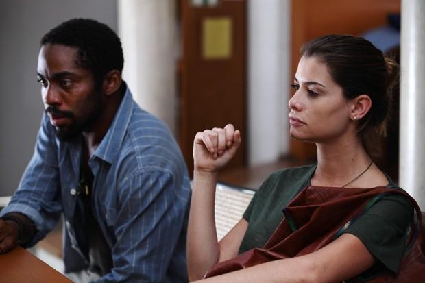 Lázaro Ramos e Alinne Moraes em 'O vendedor de passados' (Foto: Divulgação)