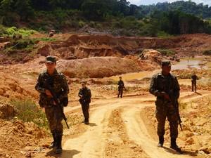 Fiscalizações ocorreram em regiões de fronteira do Amapá (Foto: Divulgação/ Exército Brasileiro)