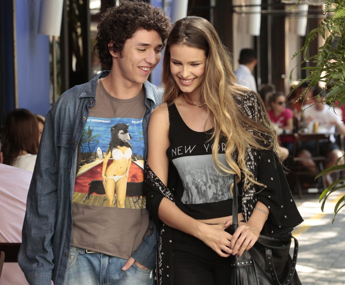 Bruno e Stephanie saem juntos (Foto: Felipe Monteiro / Gshow)