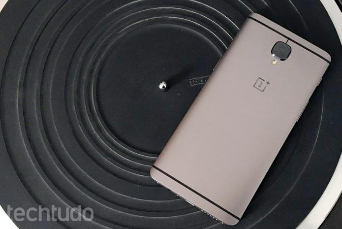 OnePlus 3T é vendido com Oxygen OS e hardware de ponta a US$ 439 (Foto: Elson de Souza/TechTudo)