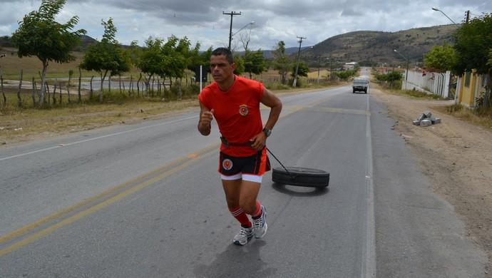 Ultramaratonista vai percorrer 786 km de estrada pelo ICIA (Foto: Cristiano Oliveira / Arquivo pessoal)