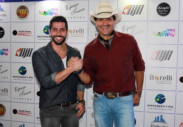 Ex-BBB Marcelo Zagonel e Marco Brasil (Foto: Celso Tavares / EGO)