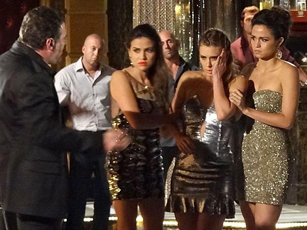 Jéssica leva um tapa de Russo após tentar fugir outra vez (Foto: Salve Jorge/TV Globo)