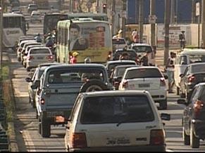 Queima de combustível fossil é uma das grande causas de poluição (Foto: Reprodução de TV)