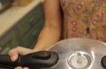 Desfiar frango na panela de pressão: será que rola?
