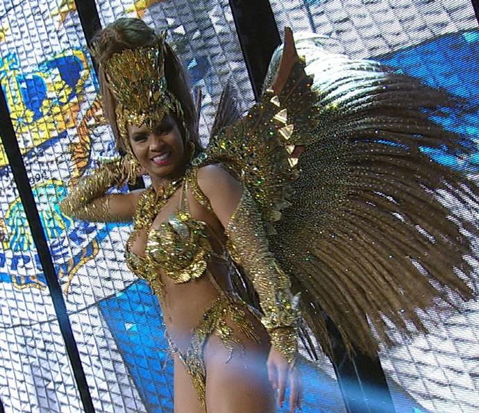 Valeska Reis é a rainha de bateria da Império de Casa Verde no Carnaval 2016 (Foto: Divulgação TV Globo)