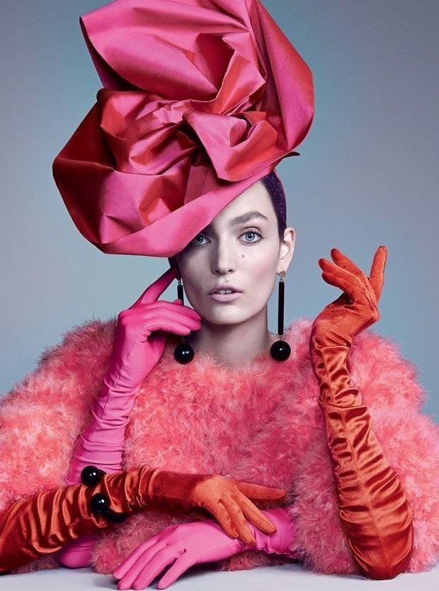 Luvas com pérola para as férias de inverno (Foto: Zee Nunes / Arquivo Vogue)