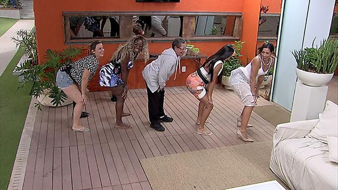 Sisters dançam funk (Foto: TV Globo)