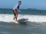 Leandro Hassum mostra habilidade no surfe: 'Só na marola'
