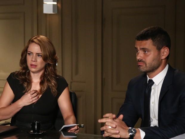 ´Passou a ser a maior suspeita de ter desviado o dinheiro da Império', diz Maurílio a Cristina (Foto: Raphael Dias/ Gshow)