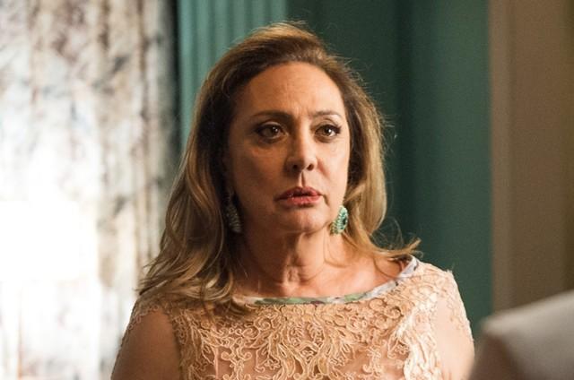'O outro lado do paraíso': Eliane Giardini é Nádia (Foto: TV Globo)