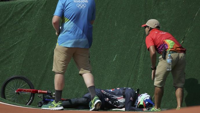 ciclismo BMX; olimpíadas; Liam Phillips; grã-bretanha; queda (Foto: Eric Gaillard/Reuters)