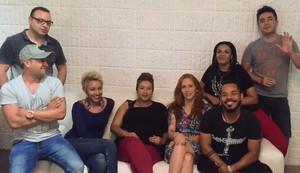 Banda Georgia anuncia substituição no time de backing vocals: sai a mamãe Gi Albertoni e entra Val Andrade (Foto: Reprodução)