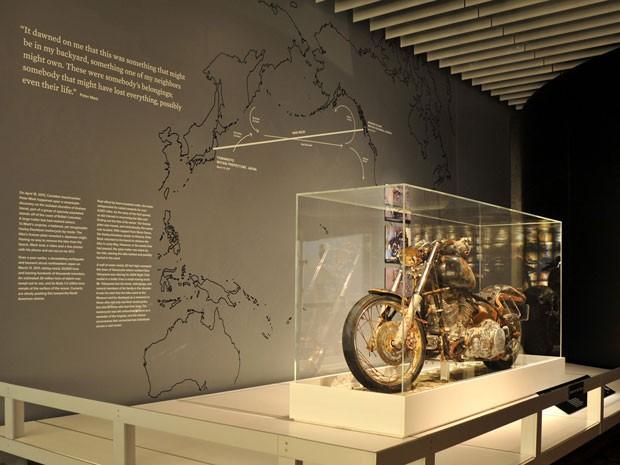 Moto virou memorial no Museu Harley-Davidson em homenagem às vítimas do tsunami de 2011  (Foto: Divulgação)