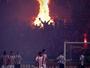 Torcida do Partizan queima objetos e faz fogueira em clássico no Marakana
