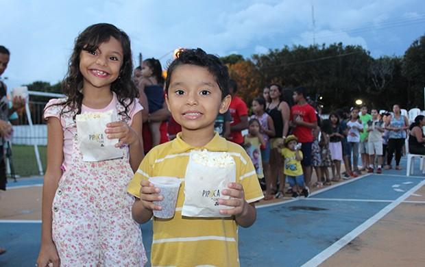 Público teve acesso a pipoca e refrigerante gratuitos (Foto: Katiúscia Monteiro/ Rede Amazônica)