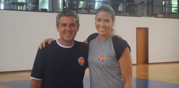Érika e Zé Roberto no treino do Barueri (Foto: Marcos Guerra)