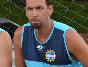 O zagueiro Thiago Matias, do São José Esporte Clube (Foto: Danilo Sardinha/Globoesporte.com)