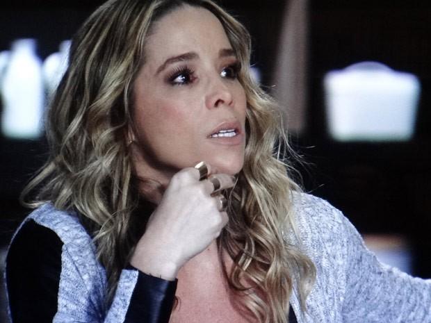 Amarilys foi pega de surpresa (Foto: Amor à Vida/ TV Globo)