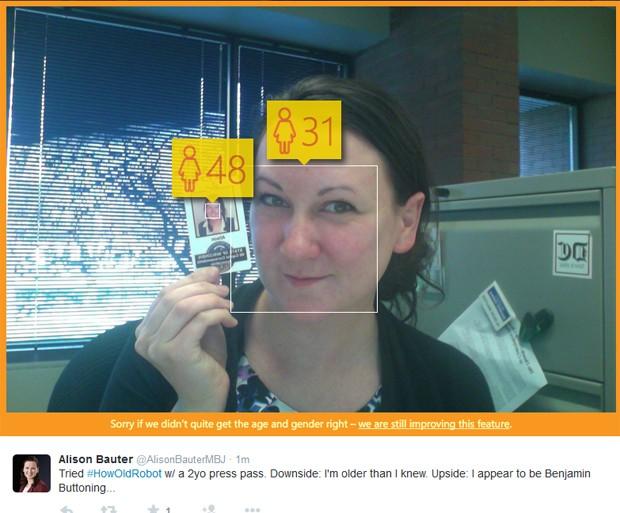 """Internauta mostra foto antiga para site da Microsoft e ferramenta mostra que ela está """"rejuvenescendo"""" (Foto: Reprodução / Twitter)"""