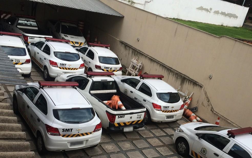 Carros da SMT ficaram sem combustível no início do ano (Foto: Vanessa Martins/G1)