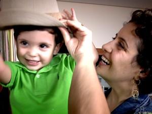 Mulher de Campinas vence o câncer de mama durante a gravidez (Foto: Reprodução EPTV)