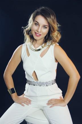 Laryssa Ayres estrela ensaio fotográfico (Foto: Allan Ragazzy/ Divulgação)